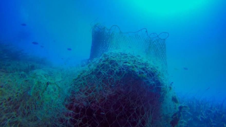 El ministerio retirará las redes fantasma del Cap d'Or y Ambolo