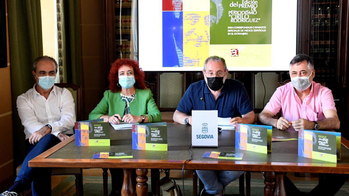 Primera reunión del Premio de Periodismo Cirilo Rodríguez.
