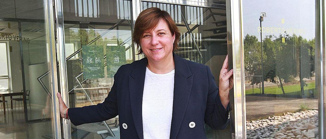 Dora Casal, CEO de Roberto Verino en la sede de la compañía en Ourense. | // IÑAKI OSORIO