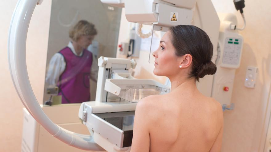 Salud habla tan solo de «un retraso puntual en las citaciones» en los cribados de cáncer de mama