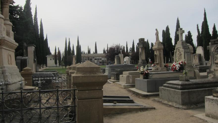 Comienza el operativo especial de seguridad en el cementerio de Torrero por Todos los Santos