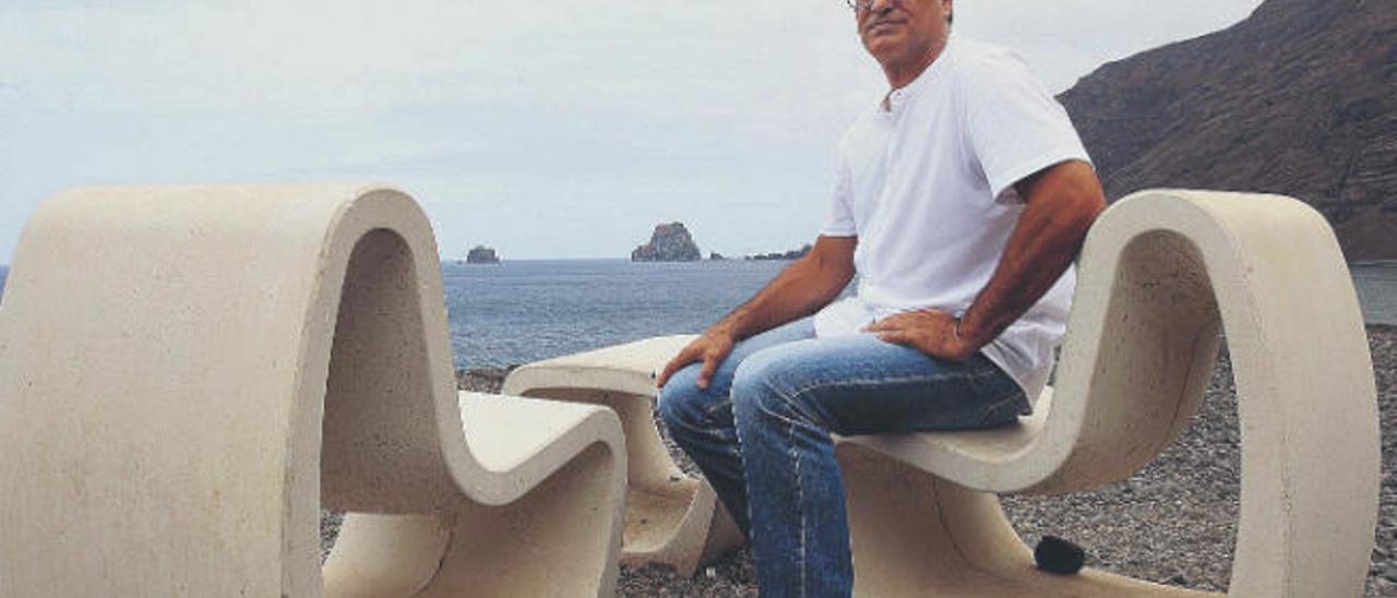 El principal ejecutivo federativo del deporte vernáculo, Juan Ramón Marcelino, en La Frontera (El Hierro) .