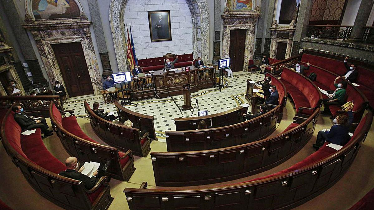 Pleno del Ayuntamiento de València celebrado ayer. | LEVANTE-EMV