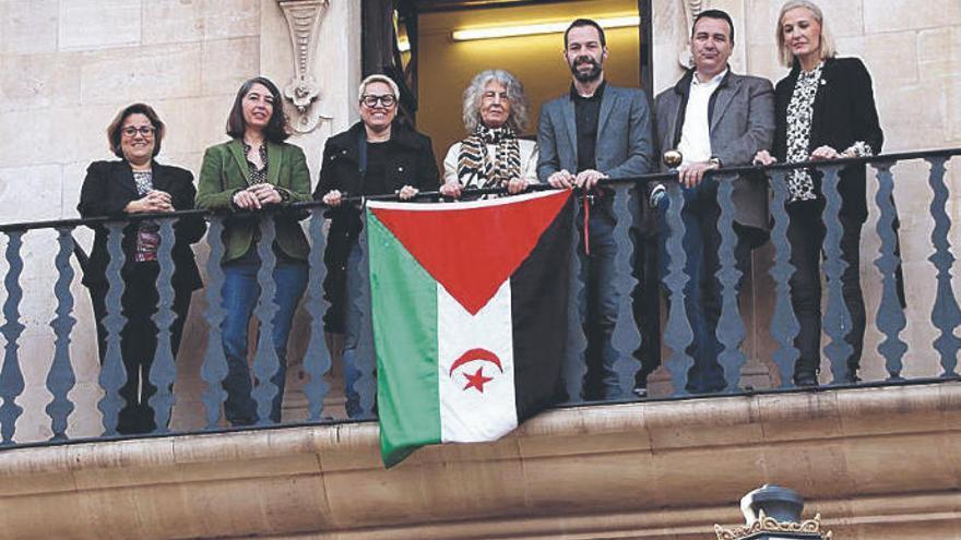 El Parlament pide el cese de la ocupación del Sáhara Occidental