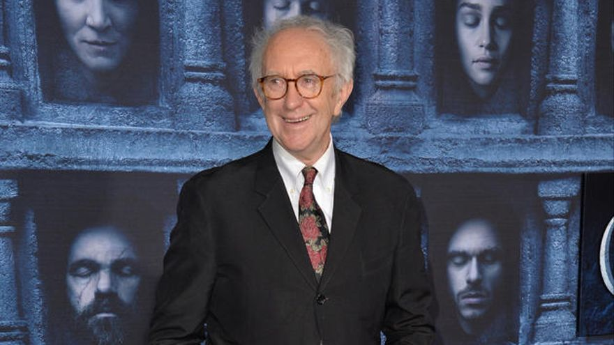 'The Crown' cierra con Jonathan Pryce el reparto para su final
