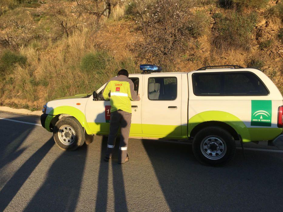 Dispositivo de rescate para el niño de dos años que ha caído por un pozo de 150 metros en Totalán.