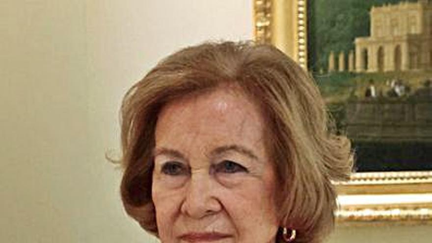 La reina Sofía visitará el miércoles el Banco de Alimentos Rías Altas