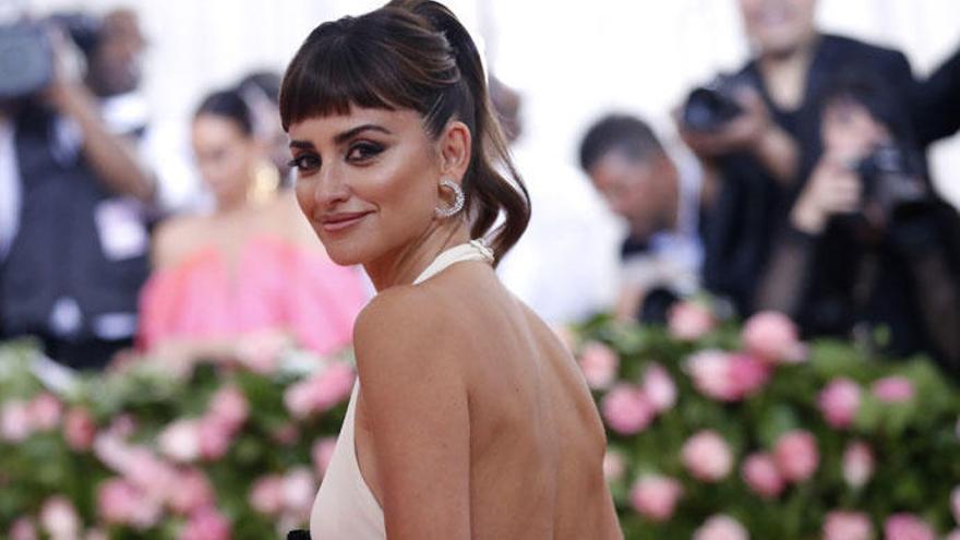 Penélope Cruz y las hijas de Julio Iglesias ponen el acento español en la Gala Met