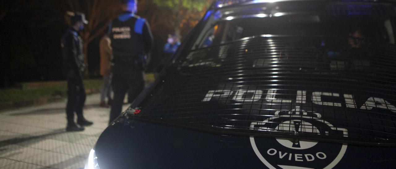 La Policía Nacional disuelve una batalla campal de madrugada en el Antiguo a base de tiros de fogueo