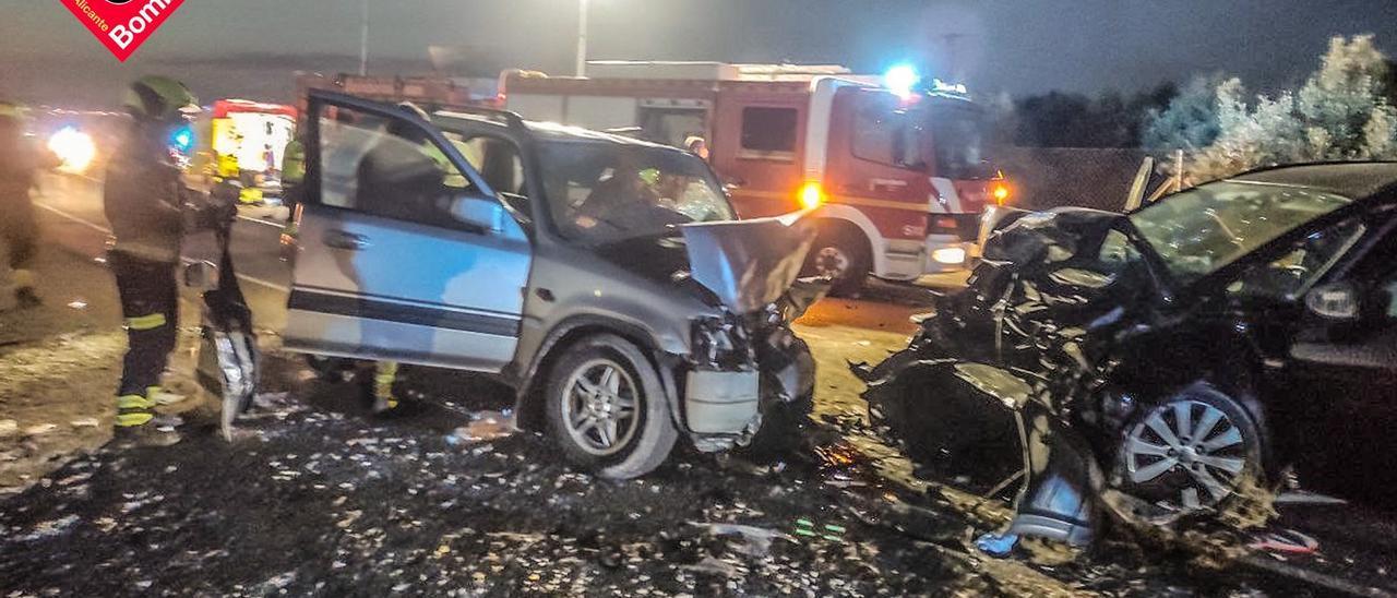El estado de los vehículos que colisionaron en la carretera de La Marina