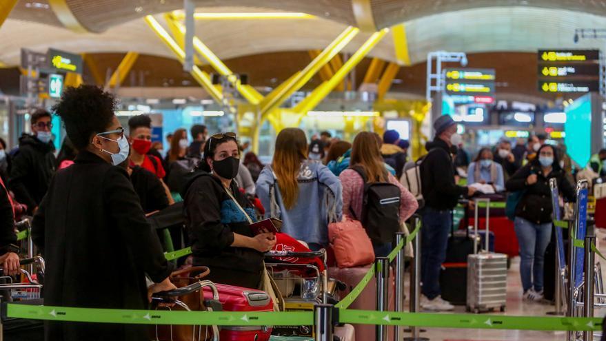 Los hoteleros reclaman al Gobierno el test de antígenos para entrar en España