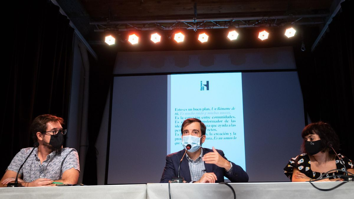Diego Garulo, David Lozano y Cristina Vicente, en la presentación del balance de Harinera ZGZ.