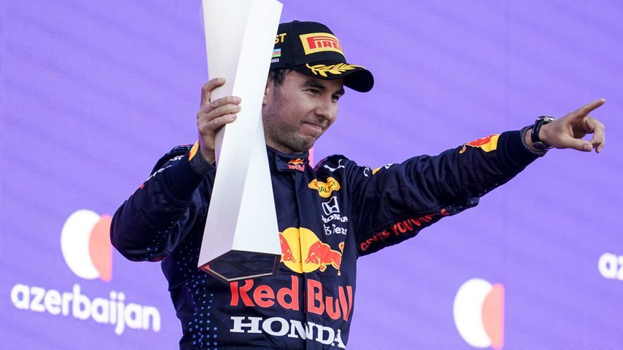 'Checo' Pérez renueva para la próxima temporada con Red Bull
