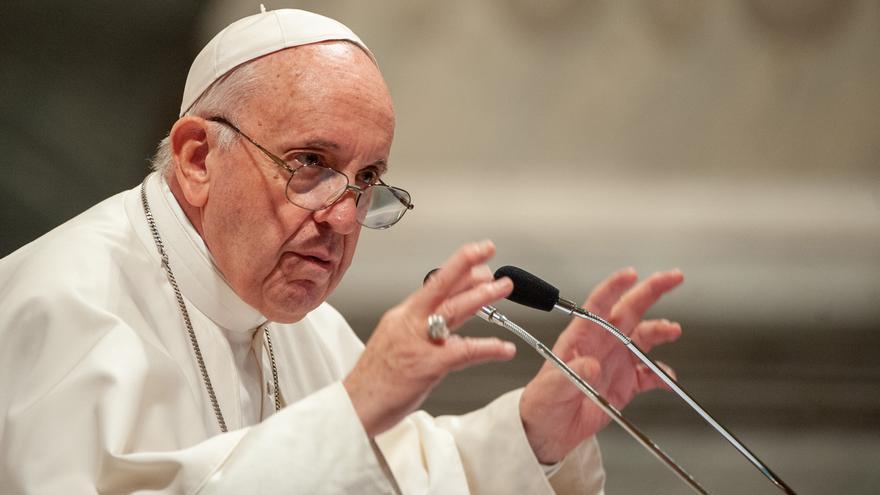 El Papa lamenta las decisiones que ignoran al pueblo en la Iglesia y la política