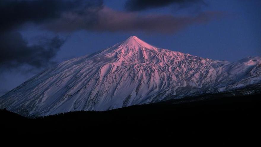 El Teide recibe una de las nevadas más grandes