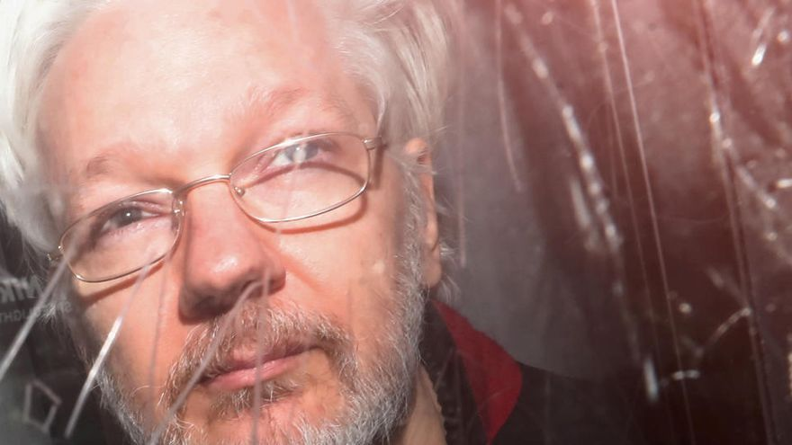 """Assange rechaza su entrega a EEUU, que le acusa de reclutar """"hackers"""""""