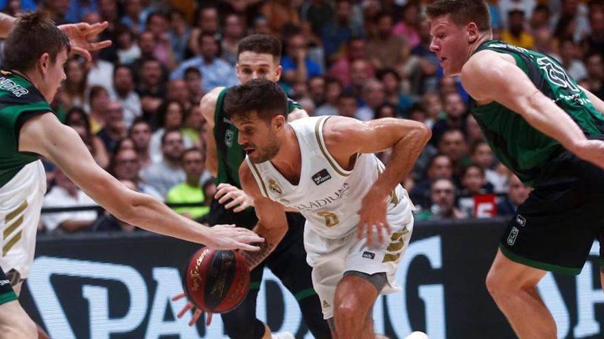 El Real Madrid gana al Joventut en la vuelta de Laprovittola