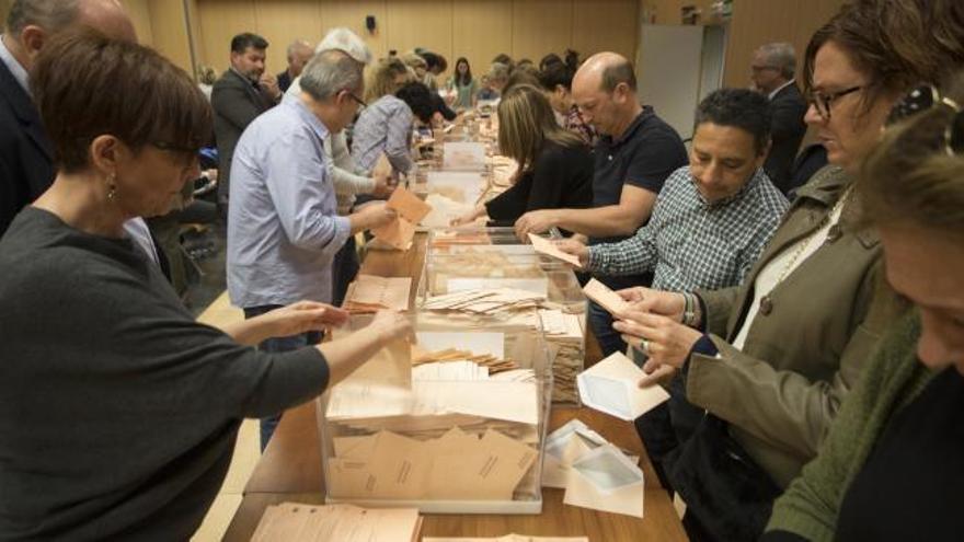 La Junta Electoral Provincial comienza el segundo recuento de los votos