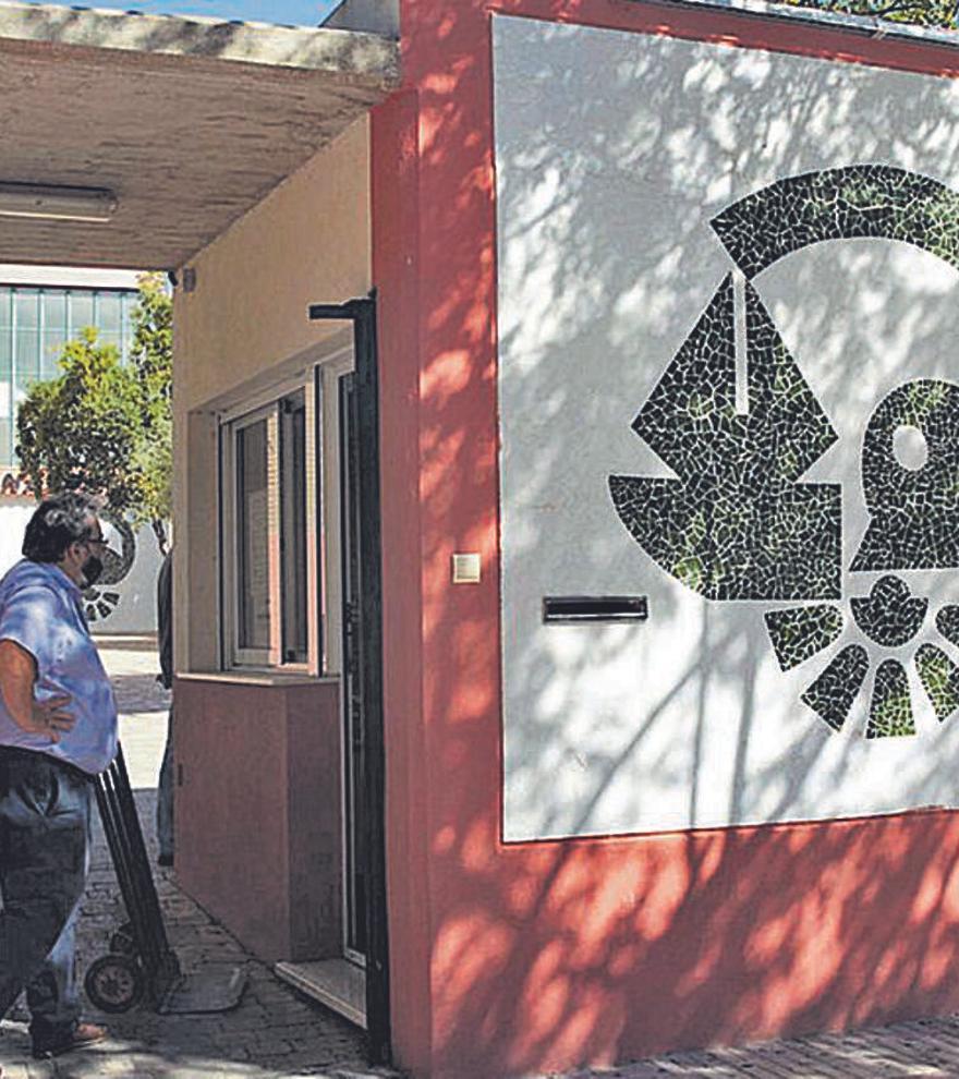 Los inspectores de Educación cierran filas y defienden el cambio de dirección del instituto Canastell
