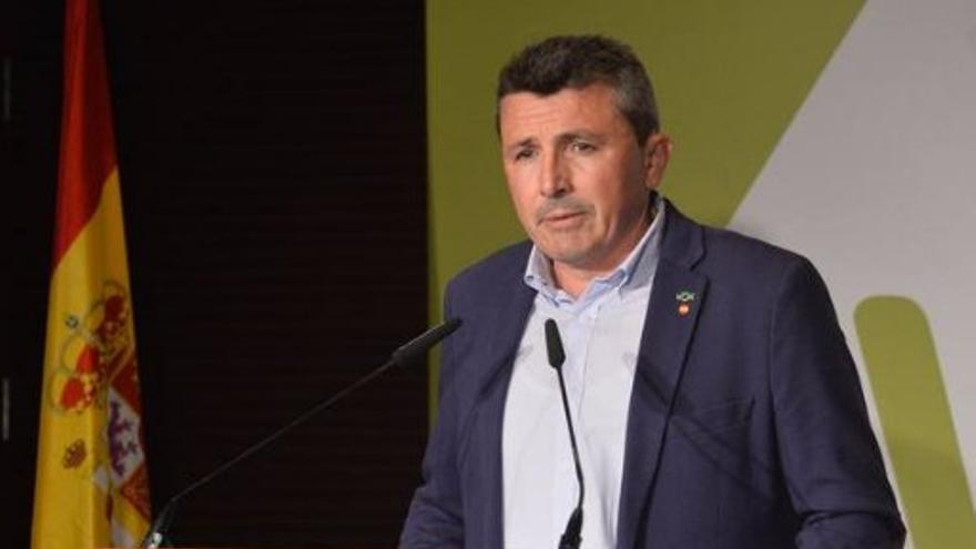 Los tres expulsados de Vox apartan a Salvador de tres puestos parlamentarios