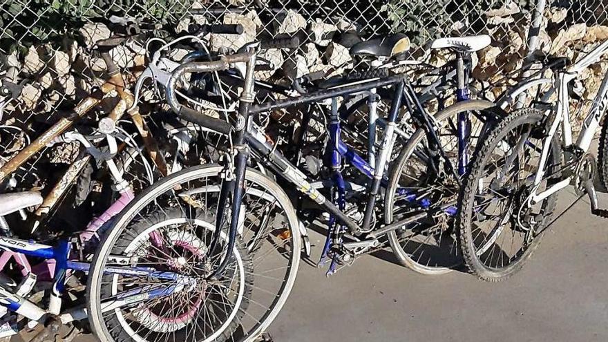 Formentera impulsa reutilizar las bicicletas de su vertedero