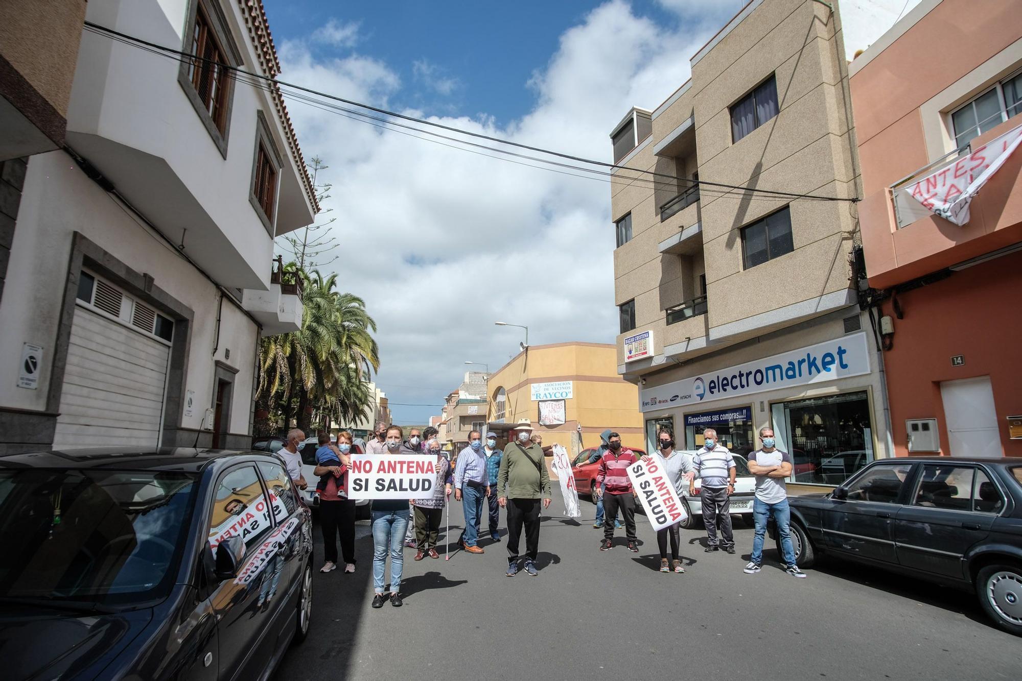 Protesta vecinal en Lomo Los Frailes por la colocación de antenas