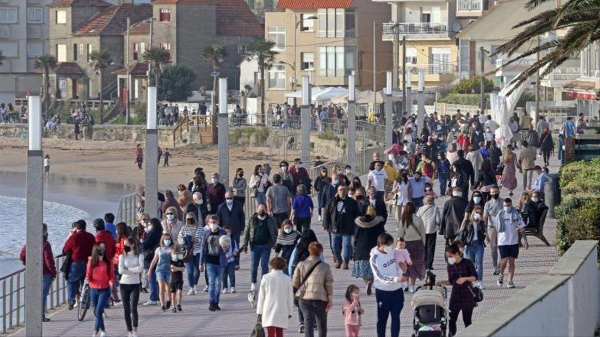 """Gobierno y autonomías analizan este miércoles medidas """"compartidas"""" para la Semana Santa"""