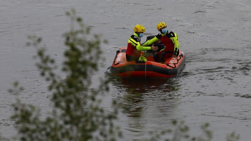 Continúa la búsqueda del menor desaparecido en el Ebro