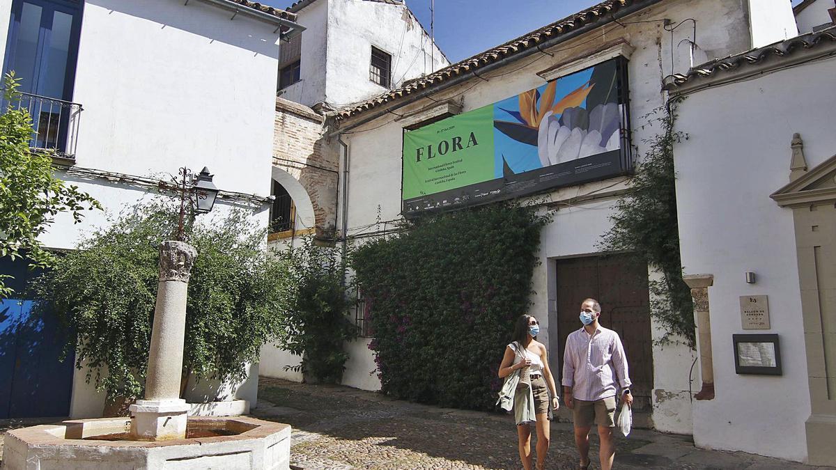 Una de las casas que se rehabilitará para el cinco estrellas de la calleja de las Flores.