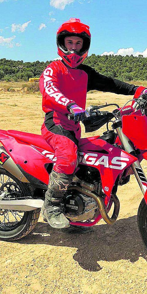 Sergio García presumió de moto de trial en sus redes sociales y también de su calidad en un post interactuando con la piloto española Laia Sanz.