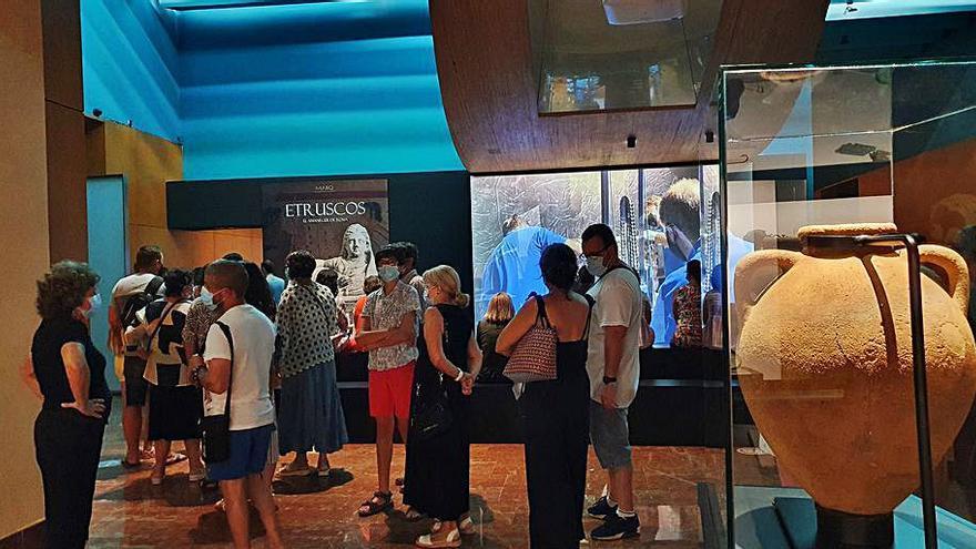 La muestra de los etruscos en el MARQ recibe 12.000 visitas