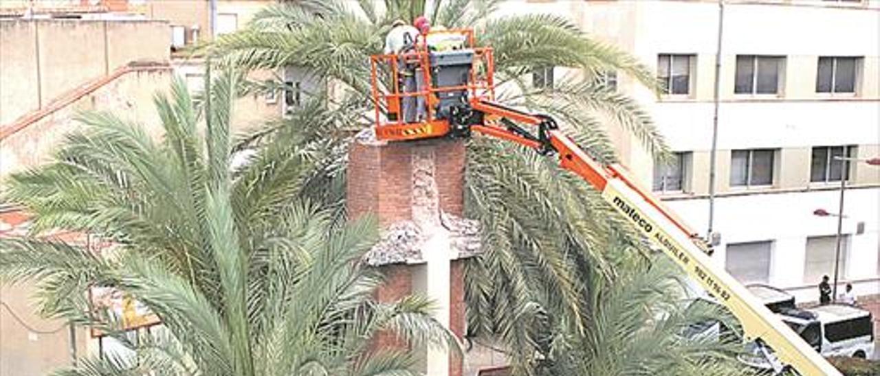 Archivan la denuncia contra Baños por el derribo de la cruz
