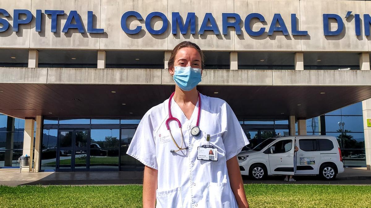 La doctora Elena Escudero, en el Hospital de Inca.