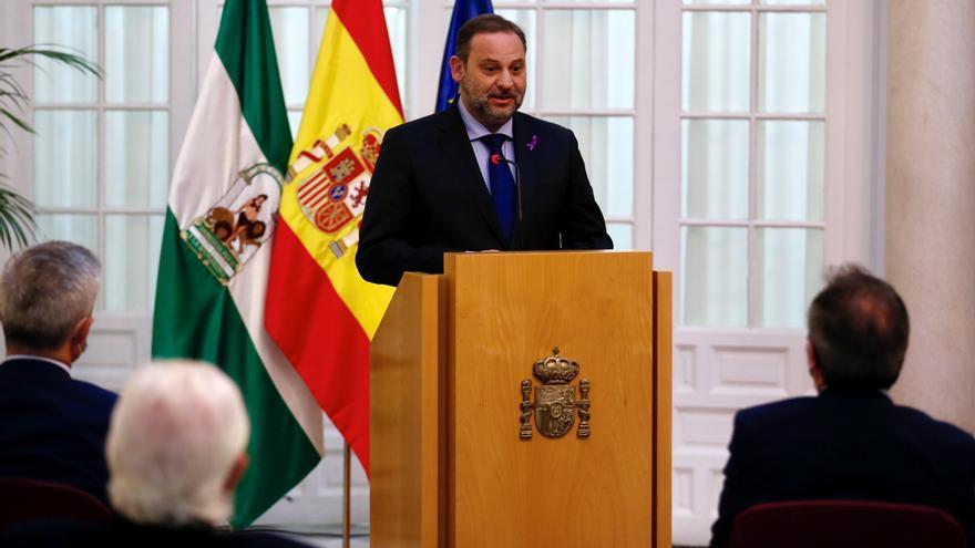 Ábalos repite que todos los inmigrantes irregulares serán repatriados