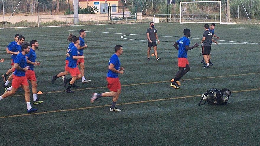 Fútbol  CF Gandia y  Portuarios Disarp inician la pretemporada