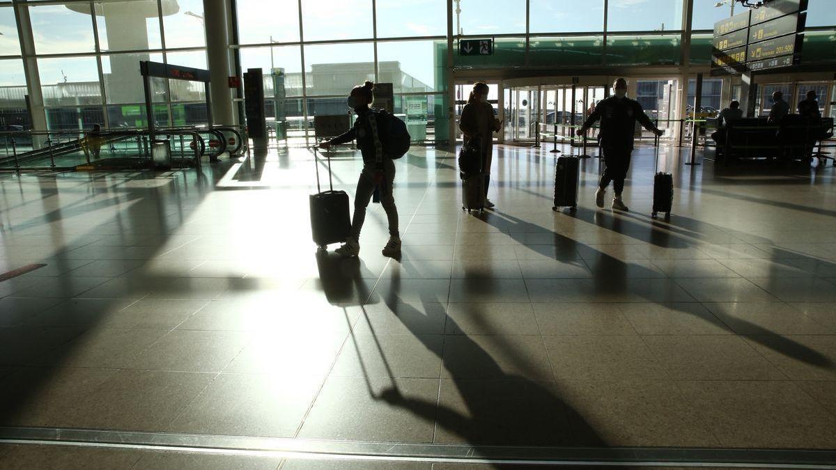 Seis españoles multados en Roma por viajar con PCR falsos