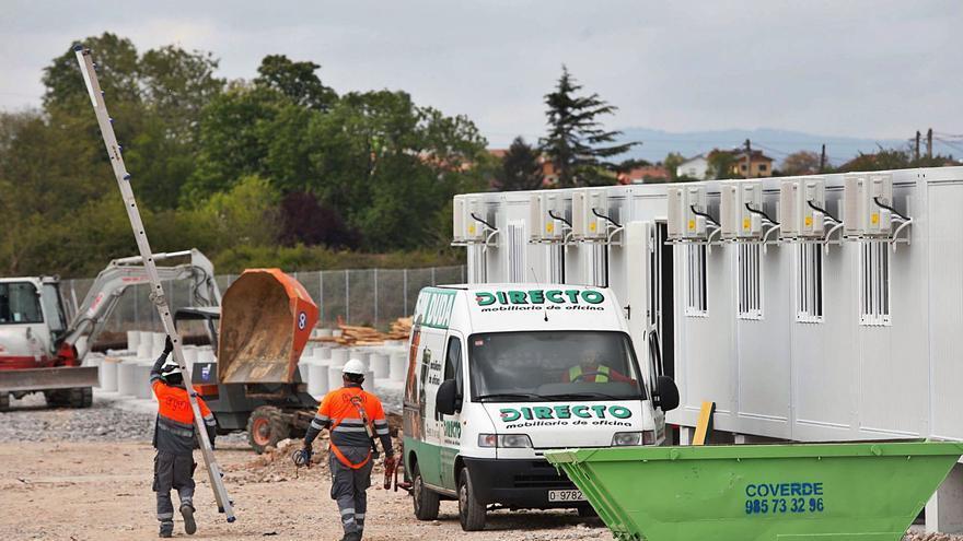 Velocidad en las obras de Amazon, que instala ya las casetas para iniciar la edificación de la nave