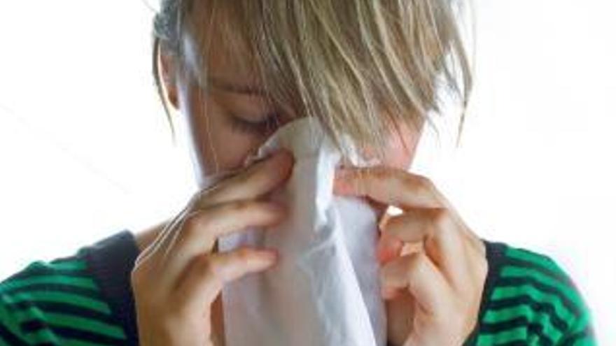 Manos limpias, pies secos y no automedicarse para evitar los resfriados