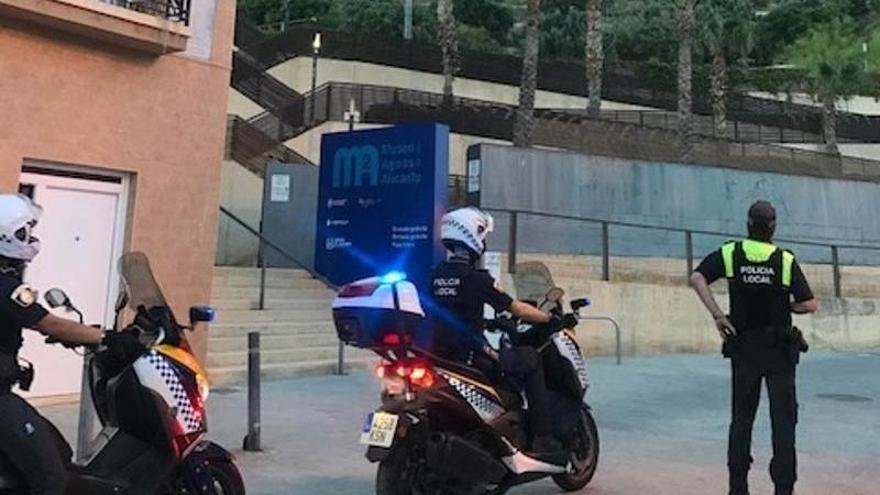 La Policía Local impone en Alicante 84 multas por botellón y 23 por incumplir el toque de queda