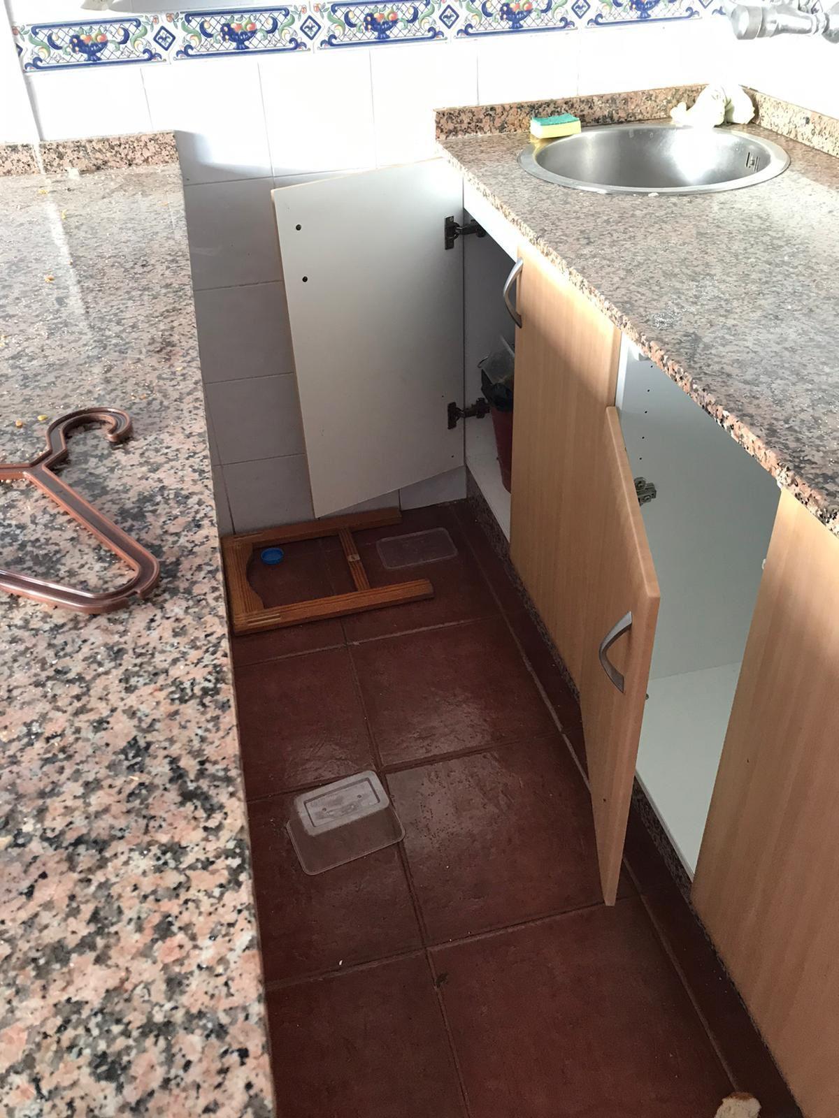 Destrozos en los apartamentos Puerto Bello, en Puerto Rico (Mogán)