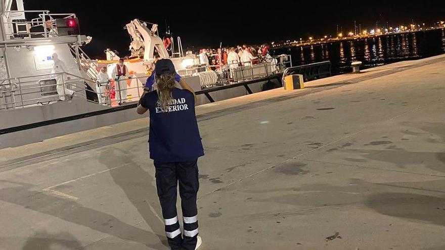 Aluvión de pateras en un día en Baleares: llegan 198 inmigrantes en trece barcazas