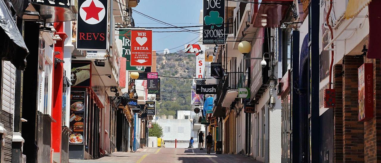 La calle principal de la zona de locales de ocio nocturno del West End, en una imagen de archivo.