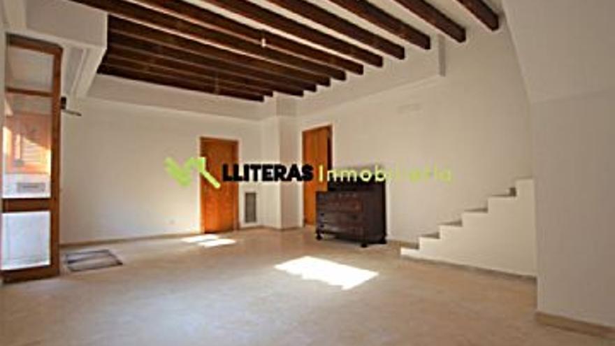 217.000 € Venta de casa en CAIMARI (Selva) 177 m2, 3 habitaciones, 2 baños, 1.226 €/m2...