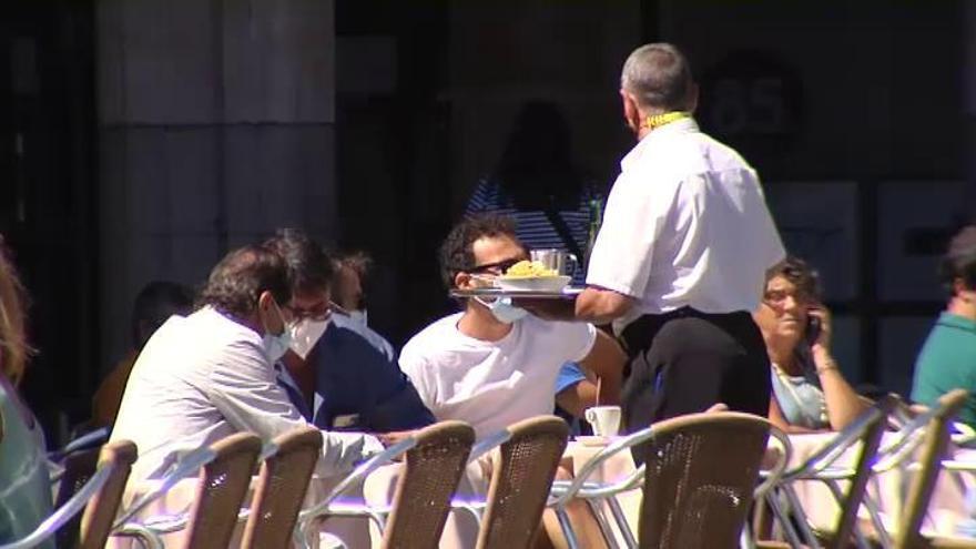 Madrid pide al Ministerio de Sanidad reducir la cuarentena de 14 a 7 días para que los afectados la cumplan