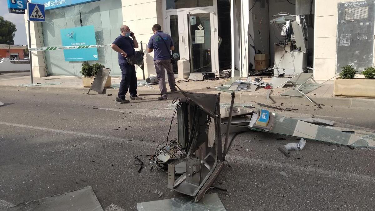 Revientan con explosivos el cajero automático de una sucursal bancaria de Els Poblets