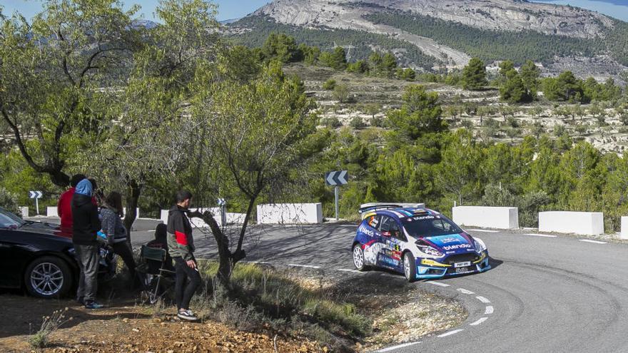 Fuster gana el Rallye La Nucía y sigue en la lucha por un título que se resolverá en Madrid