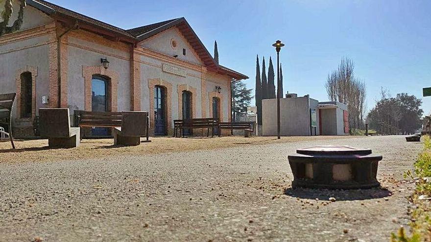 Canvi d'enllumenat al pg. Ferrocarril de Cassà
