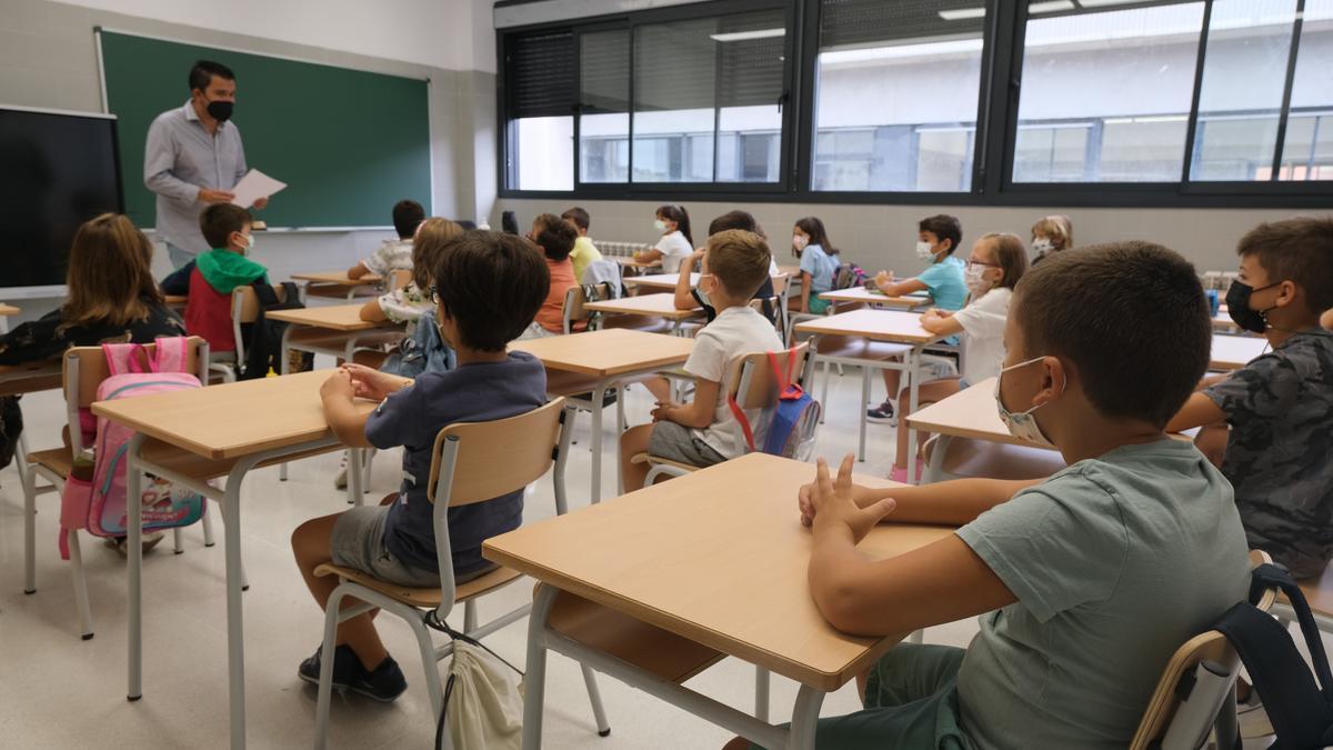 Alumnos de Primaria en un aula, el primer día de cole, el pasado viernes.