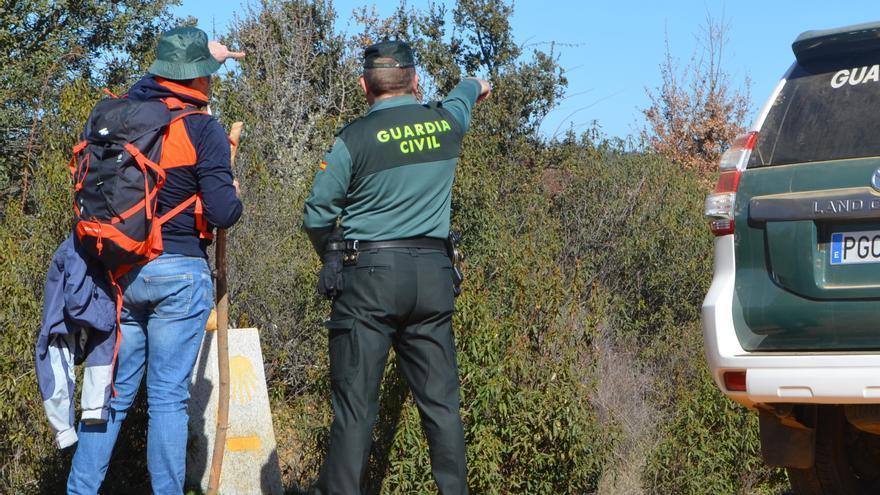 La Guardia Civil auxilia a dos peregrinos en Sanabria