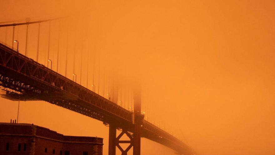 Al menos 15 muertos en decenas de incendios en EEUU